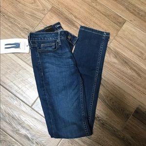 Calvin Klein Jeans NWT 2x32